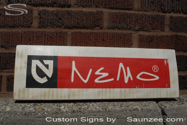 Saunzee Custom Barn Wood Sign Timber Sign Wooden Board Signs Visual Merchandising Signage Resort Retailer Signs Out Door Promotional Signs Advertising Sign Nemo Tent Signage