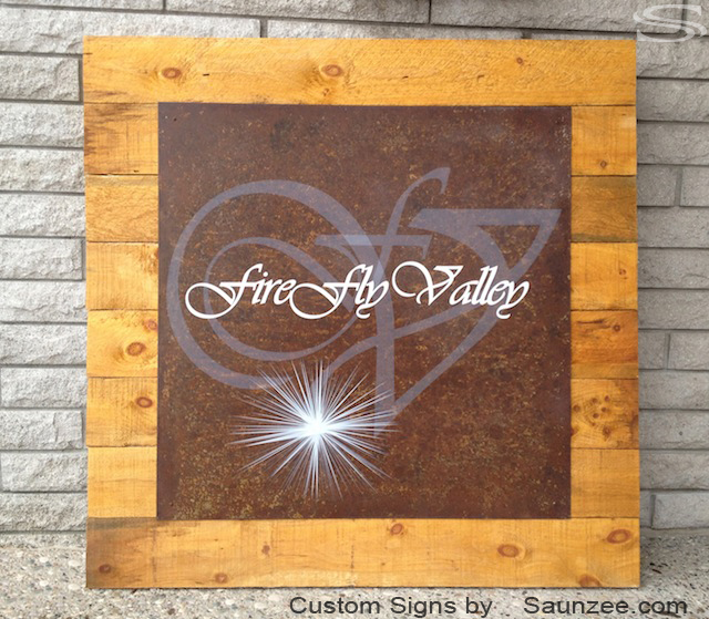 Saunzee Personalized Resort Signs Rustic Wood Signs Rusty Metal Nailed on Barn Wood Outdoor Signs Beautiful Transparent Signs Wine Plantation Signs Fire Fly Valley Signage