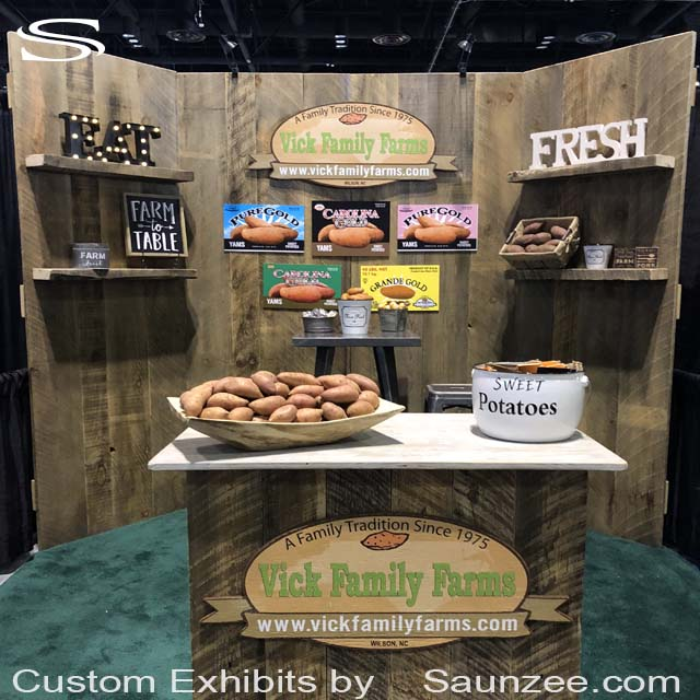 Saunzee_Custom_Rustic_Exhibit_Wooden_barn_doors_Trade_Show_Booths_Exhibits_Portable_EXPO_Exhibit_Farmers_Products_Sweet_Potatoes_Vick_Family_Farms