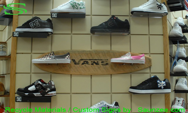 Saunzee-Go-Green-Custom-Recycle-Signs-Recyclable-Sign-Wood-Signs-Reclaime-Wooden-Signs-Old-Rustic-Signs-Promotional-Signs-Advertising-Sign-Visual-Merchandising-Signage-Green-Signs-Vans-Shoes-Vintage-Skateboard-Signage