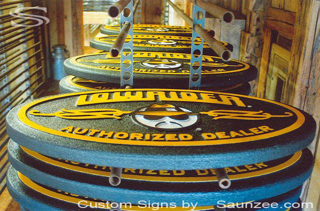 Saunzee Custom Sign Makers Foam Signs 3D Signs Low Rider Production Signs