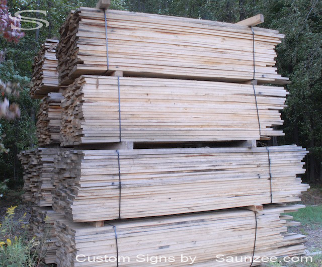 Saunzee Pine Barn Wood Timber Pile For Sign Production