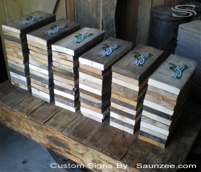 Saunzee Signs Makers Timber Hard Wood Signs Barn Wood Signage Peace Frogs Production Signs Manufacture of Signs Manufacturing Rustic Sign