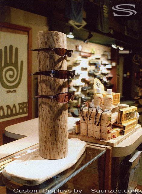 Saunzee Signs Timber Displays