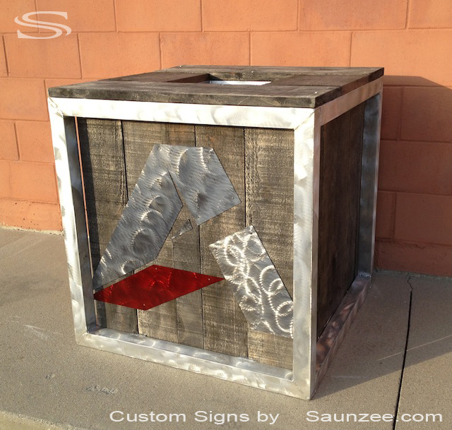 Saunzee Custom Trade Show 3d Signs Brushed Aluminum Cube Display Sign wrapped in Barn wood Trade  Show Exhibit Table Sign Double Sided Lightweight Portable Trade Show Sign Cube Advanced Tree Stand Signage